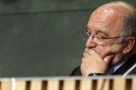 Almunia dice que si España no cumple el objetivo de déficit para 2011 «lo va a pasar muy mal»