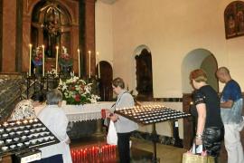 La fiesta de Sant Antoni de Pàdua congrega a cientos de fieles en el Convent dels Caputxins