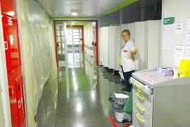 Auxiliares de enfermería denuncian el caos en las urgencias de Son Espases