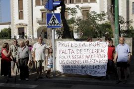 Los vecinos del camí Salard piden pasos de peatones elevados