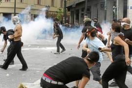 Papandreu remodela su Ejecutivo ante el fracaso para formar un Gobierno de unidad nacional