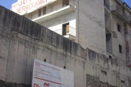 La Comisión de Urbanismo aprueba demoler el Hostal Sayonara