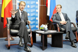 Zapatero antepone la recuperación económica al adelanto electoral
