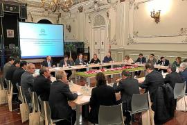 Torres exige al Estado una «ley urgente» para que las entidades locales puedan usar el superávit