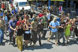 Un centenar de personas impiden en Francia el arresto de Aurore Martin