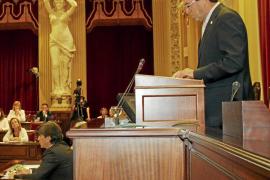 Rotger avisa a los diputados: «Los ciudadanos son cada vez más críticos, y con razón»