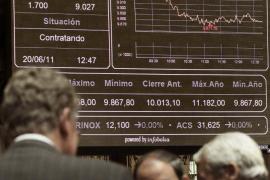 La Bolsa cae un 2,77% arrastrada por el descalabro  de la banca