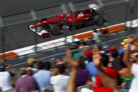Vettel vuelve a conseguir el mejor tiempo mientras que Alonso saldrá cuarto en Valencia