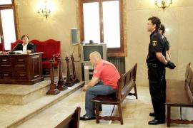 Juzgado en Palma por degollar a un hombre al que conoció en un avión