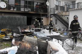 Un incendio en un almacén obliga a desalojar un hotel en el Port de Sóller