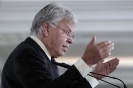 González aconseja a Rubalcaba que deje el Gobierno «ya»