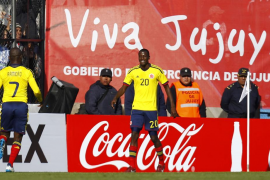 Ramos da el liderato a Colombia ante un Costa Rica con diez