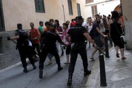 Carga policial contra los indignados