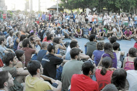 Los 'indignados' heridos deciden denunciar a la policía por la violencia de las cargas