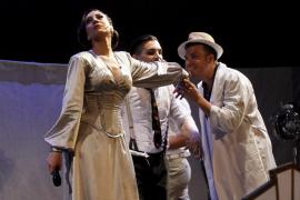 La 'diva' Mónica Naranjo derrocha voz en Palma con 'Madame Noir'