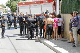 Siete personas intoxicadas al incendiarse una planta baja en la Vileta, en Palma