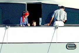 La Familia Real pasa su primer día de vacaciones en el mar
