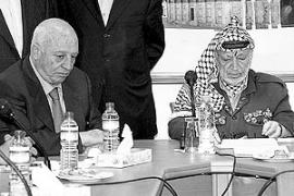 Arafat rechaza la dimisión del primer ministro y la considera «inaceptable»