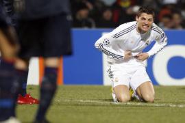 El Real Madrid se reencuentra con sus fantasmas en Lyon  (1-0)