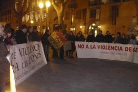 Decenas de personas repudian el crimen de la boliviana descuartizada