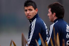 Mancini confirma el interés  del Manchester City por Agüero