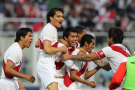 Perú rompe el partido en la prórroga y sella su pase a semifinales