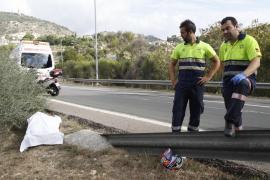 Aparece un cadáver en una autopista y encuentran la moto diez horas después