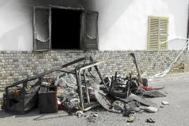 Detenido por incendiar su casa de Capdepera con su mujer dentro