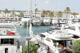 La crisis y las altas tasas harán que el turismo náutico baje este año un 15% en las Islas