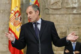 El presidente de la Generalitat valenciana, Francisco Camps, durante su comparecencia en el Palau de la Generalitat en la que ha