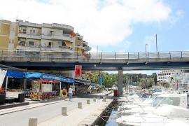 El desvío de servicios del puente del Riuet pone en peligro el suministro eléctrico a 2.000 vecinos
