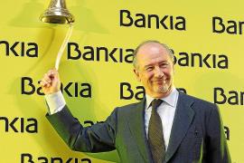 Bankia capea la «tormenta perfecta» y cierra al mismo precio de su debut