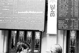 Fitch acaba con la euforia de los mercados, que celebraban el acuerdo sobre Grecia