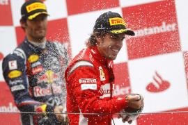Alonso se sube al podio de Nürburgring por detrás de Hamilton