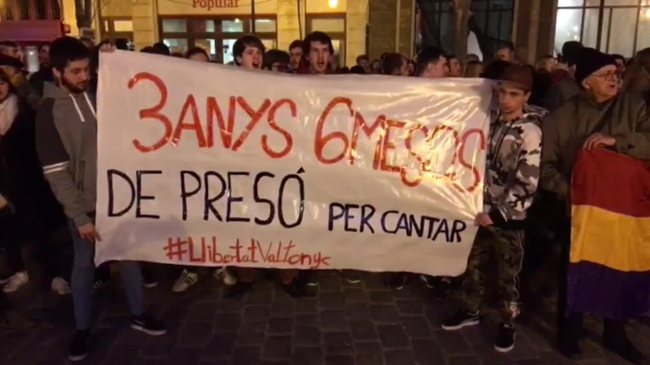 Unas 200 personas se concentran en Palma para pedir la absolución del rapero Valtonyc