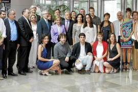 Sa Nostra otorga a 10 estudiantes una beca de postgrado para estudiar en el extranjero