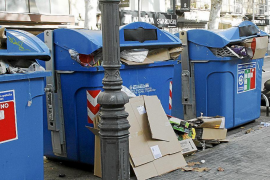 Emaya tiene más quejas por limpieza y menos por recogida de basura