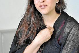 «No pretendo ser un modelo para la mujer iraní, sólo hablar con mis imágenes».