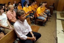 Los maulets acusados de injuriar al presidente del Círculo Balear aseguran que no lo conocían