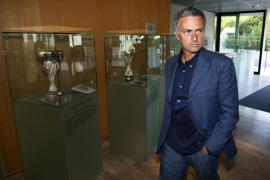 La UEFA rebaja parcialmente la sanción impuesta a Mourinho