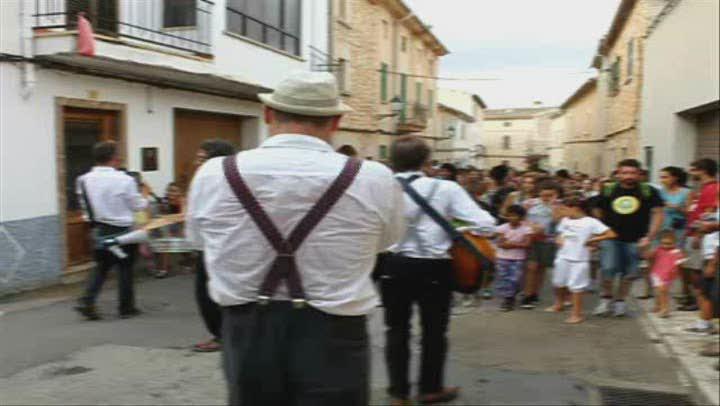 Santa Eugènia se convierte en un teatro al aire libre en la Quarterada