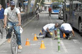 División de opiniones por la supresión del carril bici de Avingudes