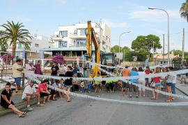 La presión vecinal evita por segundo día las obras en el puente del Riuet de Porto Cristo