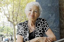 Tachia Quintanar pone voz en Son Servera a los «delicados» versos de García Márquez