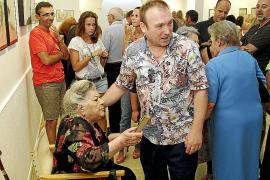 Margalida Sancho abre con éxito su 'Jardí d'ocells' en Valldemossa