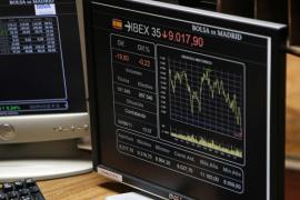 El Ibex cierra una semana negra en la que ha perdido un 10 por ciento