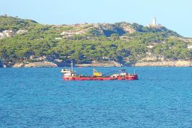 Recta final de la instalación de un emisario submarino en Cala Rajada