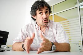 Urizar insta al Gobierno a sentarse con ETA y cerrar mínimos acuerdos
