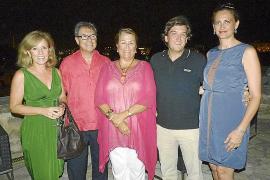 La presidenta de Alcer, Manuela de la Vega, celebra su cumpleaños