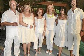 La Casa de Andalucía celebra su fiesta de blanco